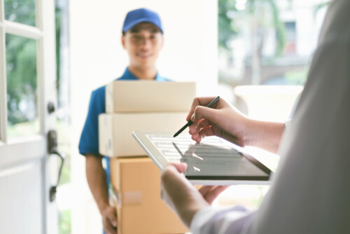 How Can Small Businesses Compete With Retail Giants on Shipping?